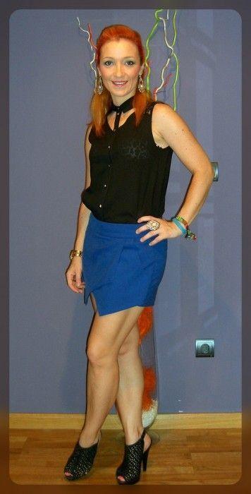 falda pantalon asimtrica azul klein